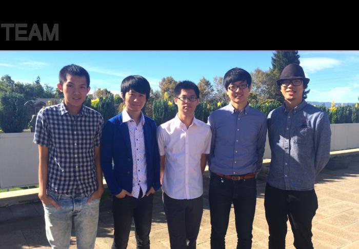 由台大校友及學生組成的FLUX新創團隊(左二為共同創辦人暨執行長柯軒恩,左一為技術長游雋仁)。