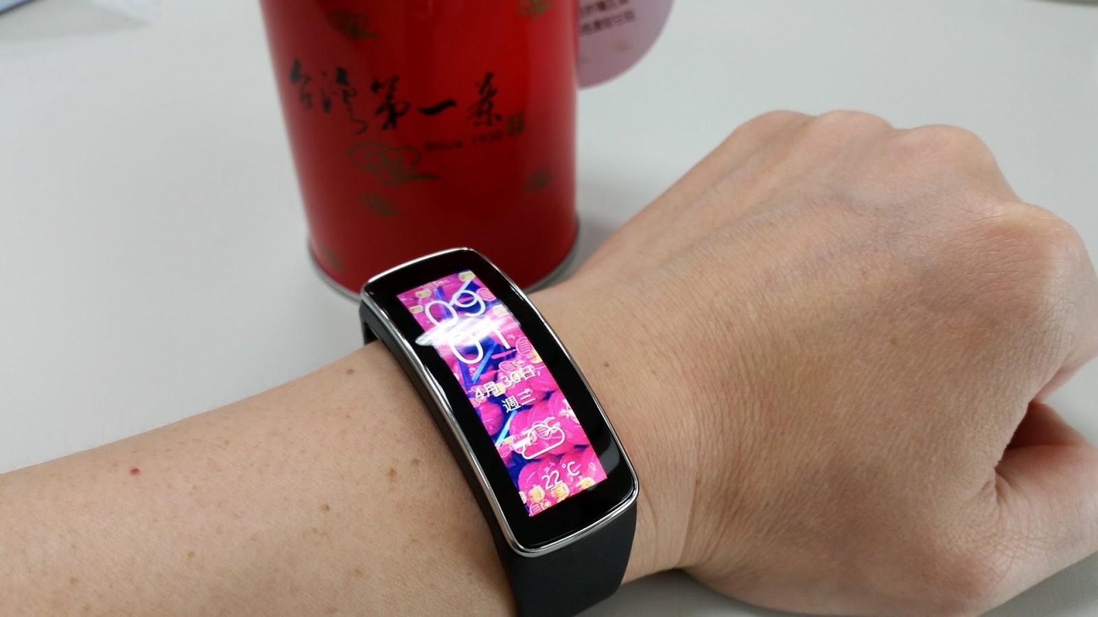 具備藍芽的心跳帶、手錶、各類感測器漸漸蓬勃發展。