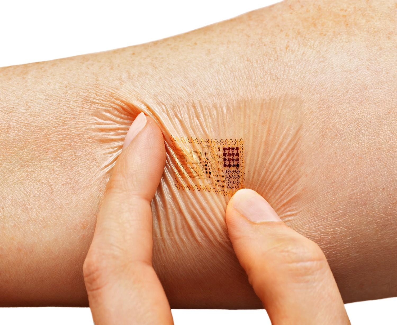猶如電子刺青般的Biostamp皮膚貼片。(圖:MC10)