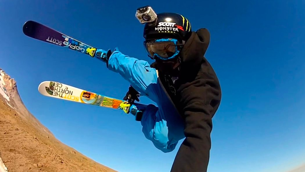 當你在挑戰極限運動時,想紀錄下自己的壯舉,就得靠穿戴式裝置,如GoPro。