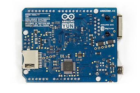 Arduino Yún 的背面實體圖。