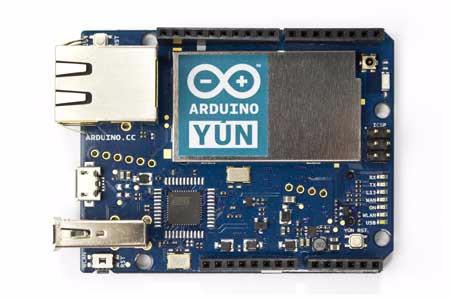 Arduino Yún 的正面實體圖。