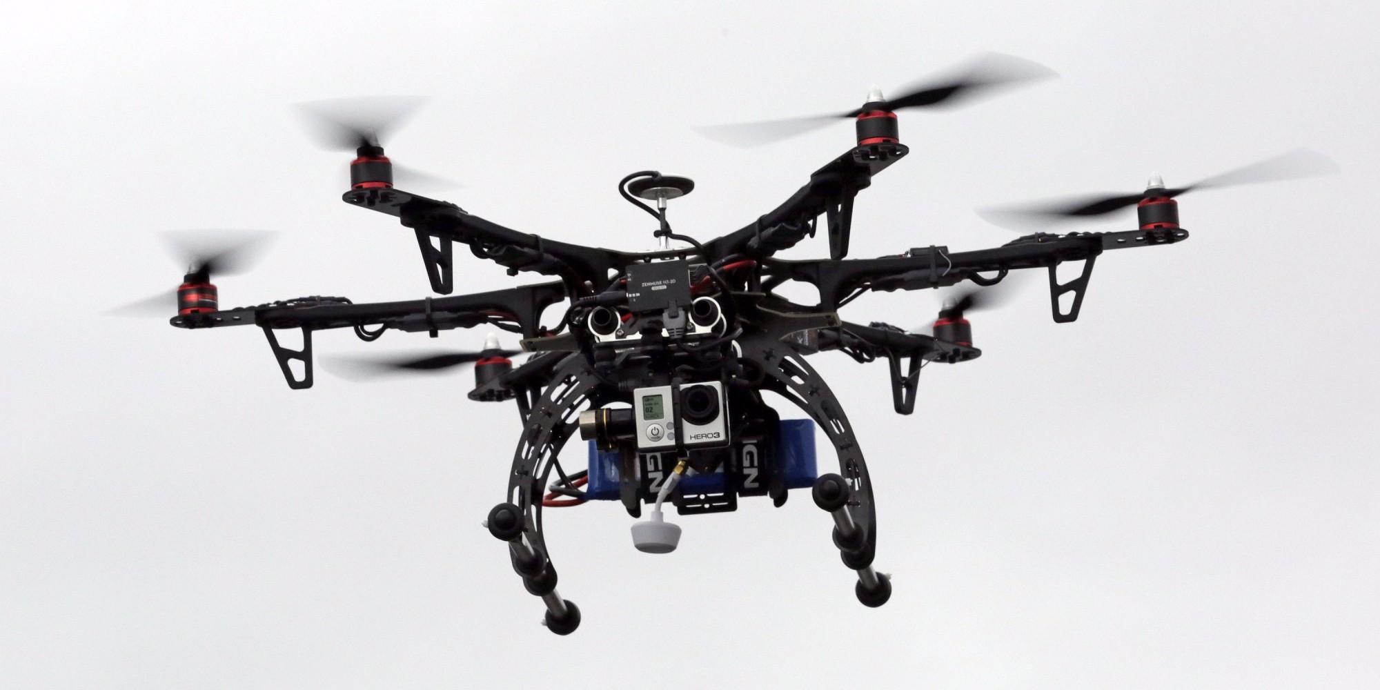 玩家型的無人機愈玩功能愈複雜,而想遠控制,WiFi還是首選技術。