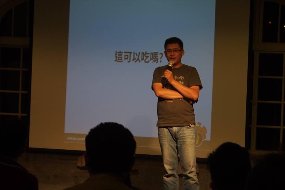 鄭建彥表示,厭倦了像考試一樣的機器人比賽,畢竟輸了不會是世界末日,而贏了也非國定假日。