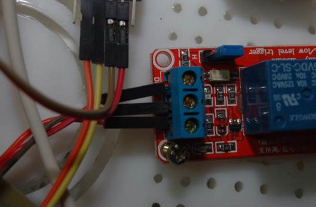 (a)繼電器輸入端
