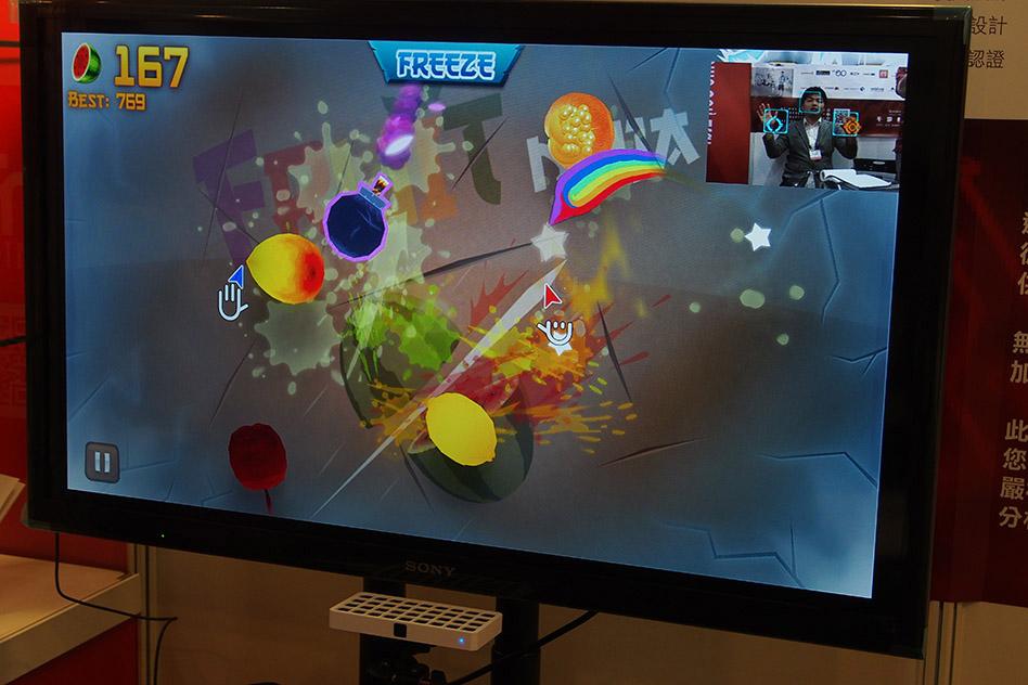 ZKOO可即時偵測手部動作,讓互動遊戲無延遲感。