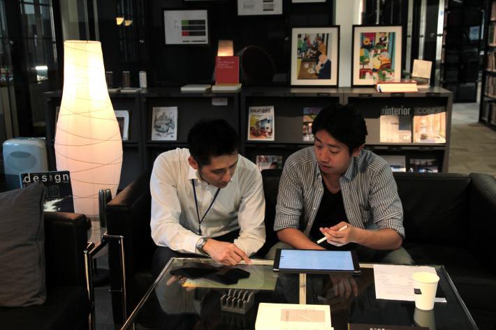 REnato Lab創辦人王家祥(左)與蕭光廷(右)