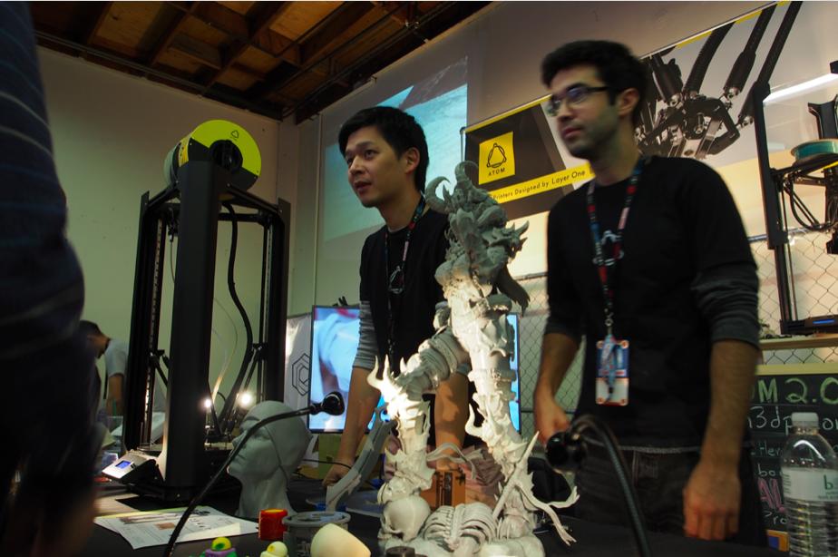 台灣Maker已開始走向市場、走向國際舞台,圖為ATOM 3DP團隊出席2016 Maker Faire Bay Area