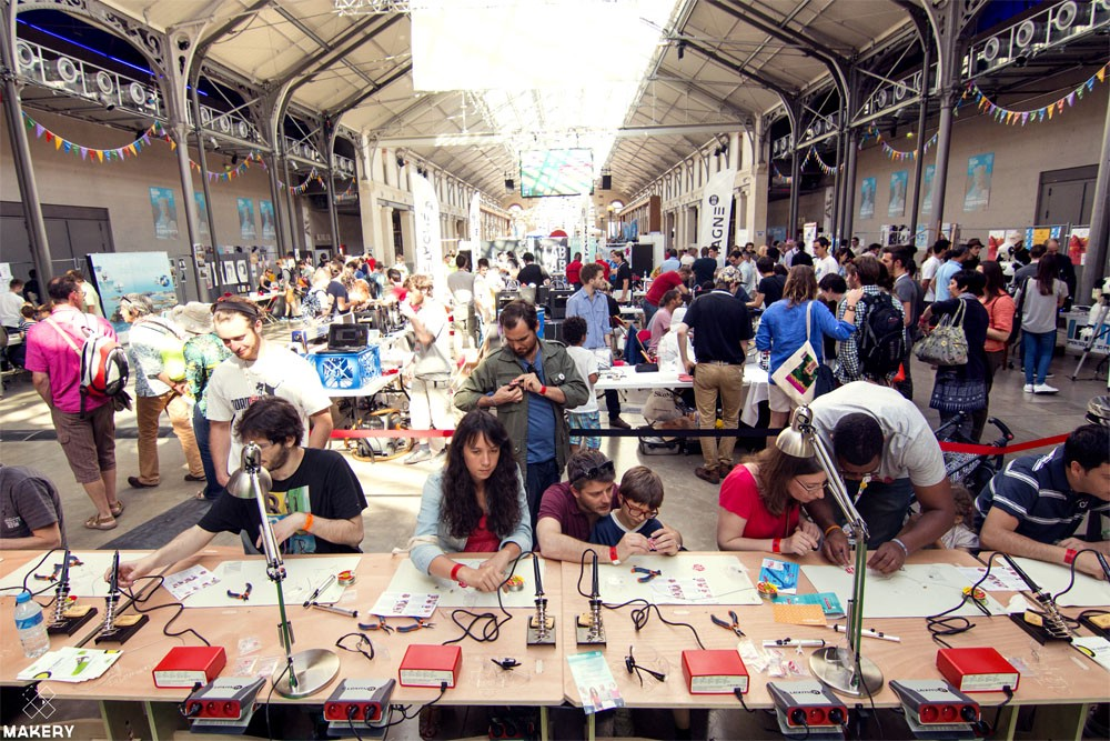 Maker Faire展場實況(圖片來源:Makery Maker Faire in Paris)