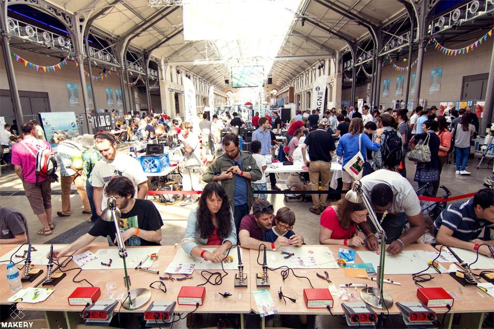 Maker Faire展場實況(圖片來源:Makery Maker Faire in Paris)