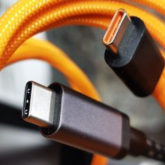 USB-C-Connector-Orange
