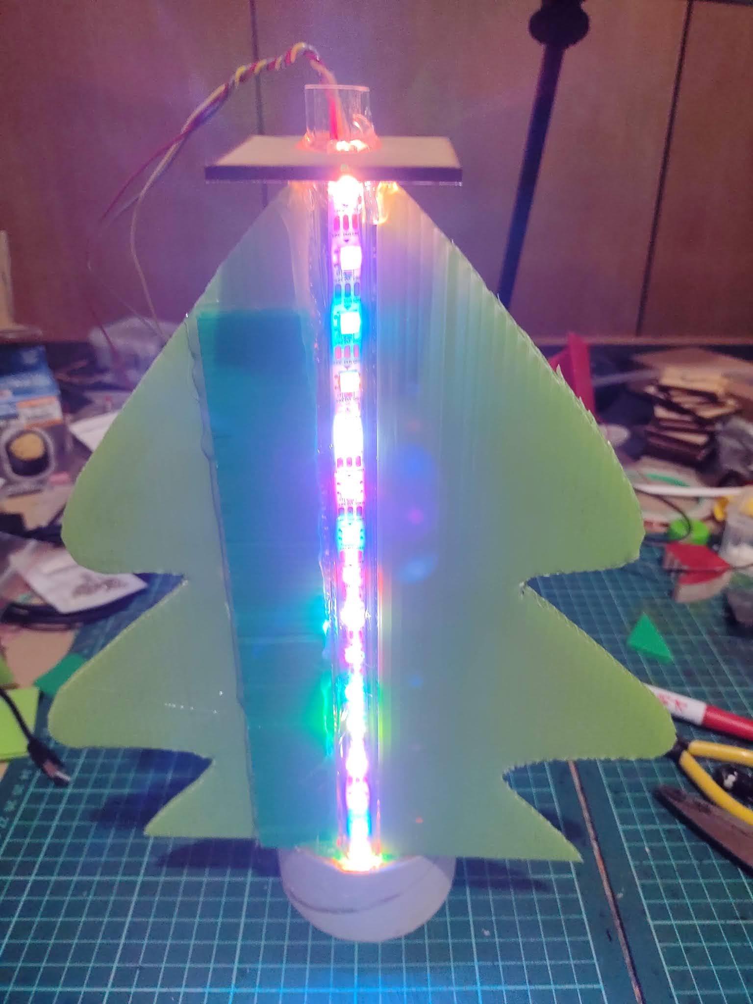 【聖誕之珠】使用VIA Pixetto視覺感測器之四月標記功能